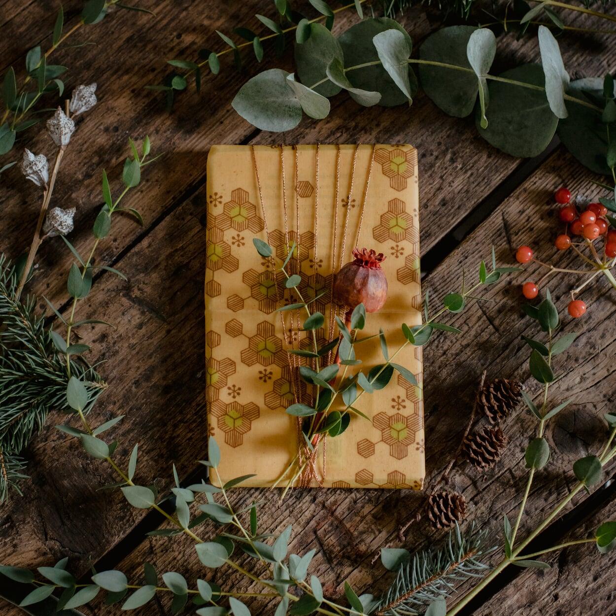 Bienenwachstuch als Geschenkpapier