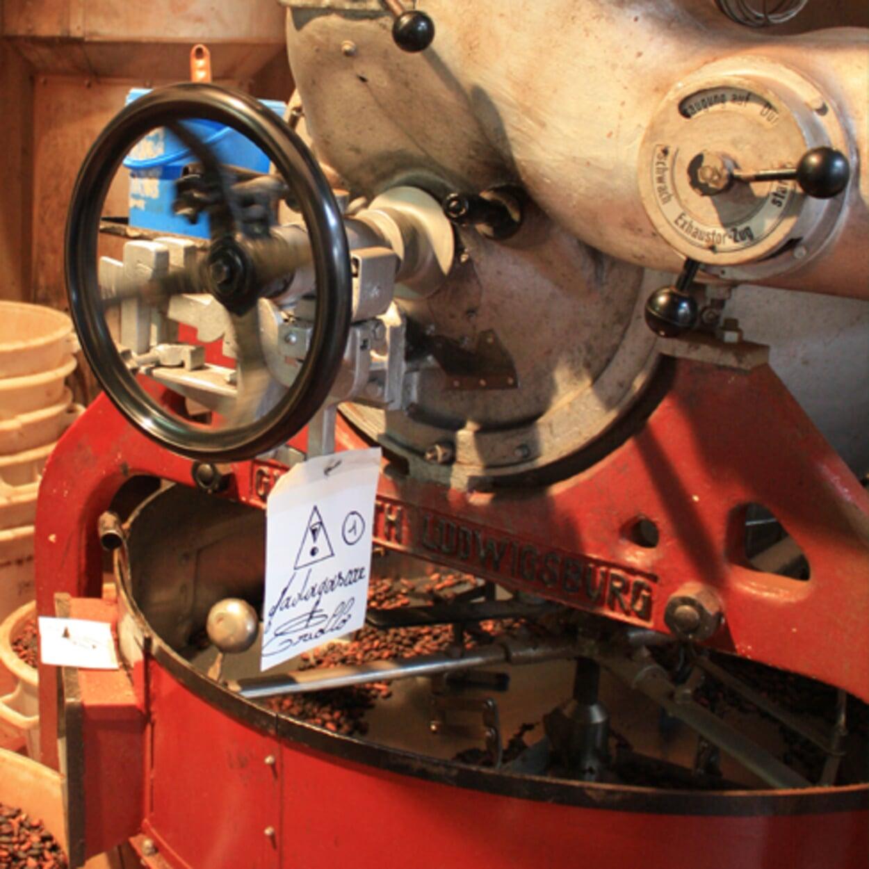 Schokoladenherstellung mit traditionellen Maschinen