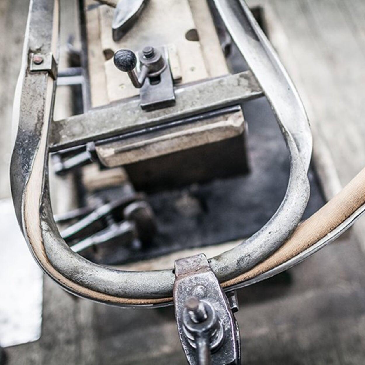 TON Bugholzmöbel Herstellung