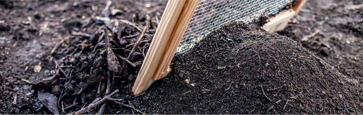 Kompost umsetzen und sieben