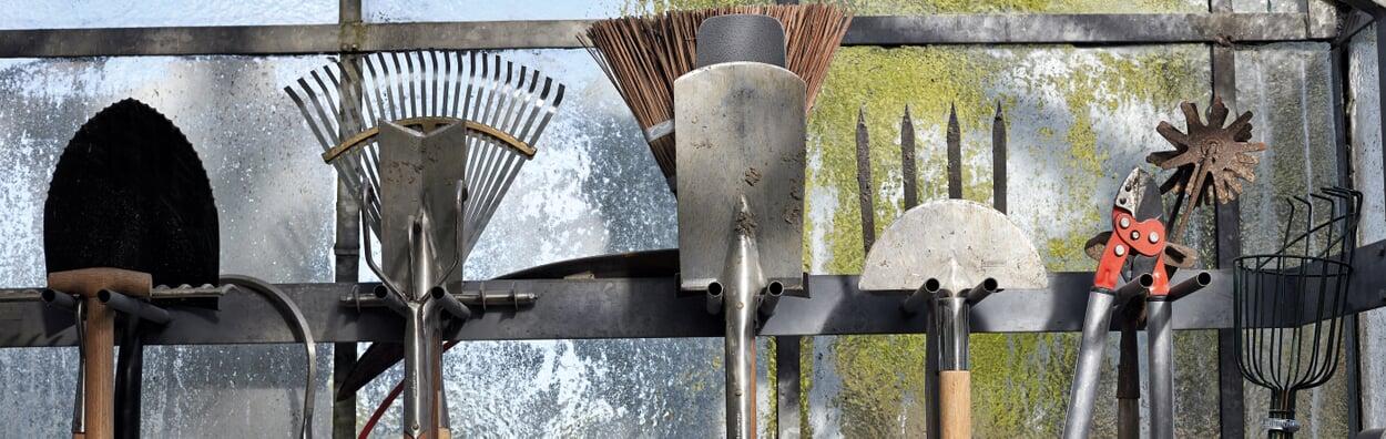 Werkzeug einräumen und säubern
