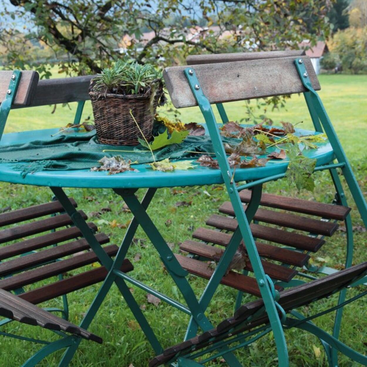 Stühle auch vor kurzzeitiger Nässe schützen