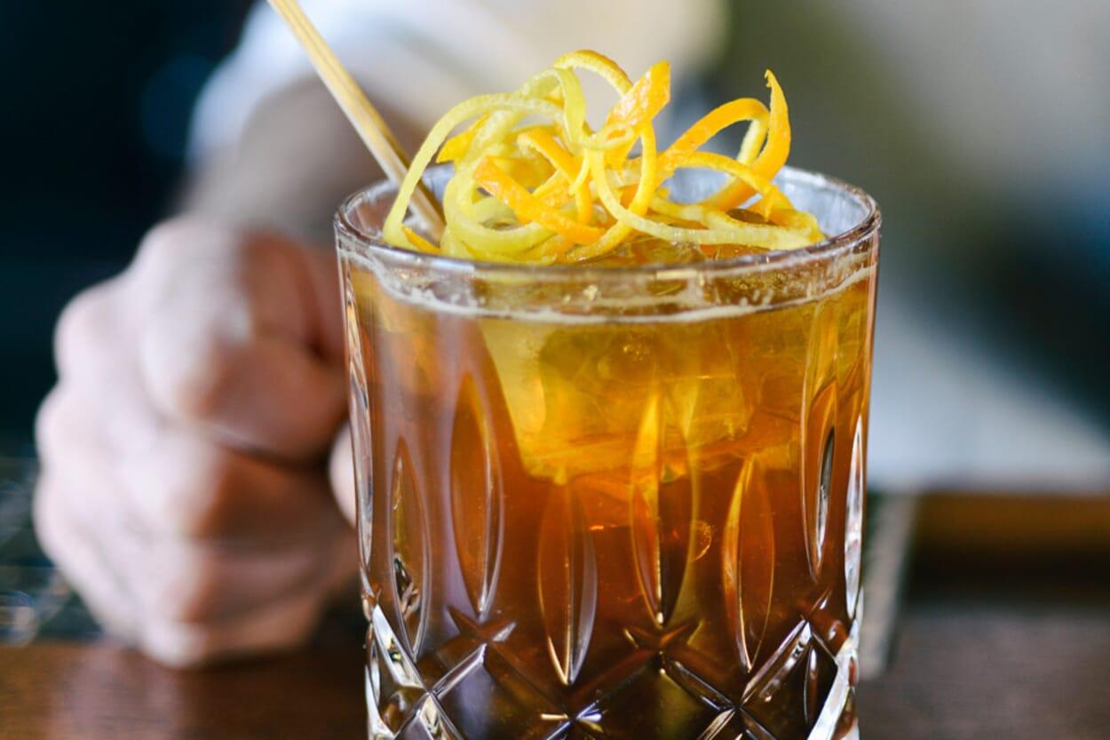 Cocktails aus Klosterlilören