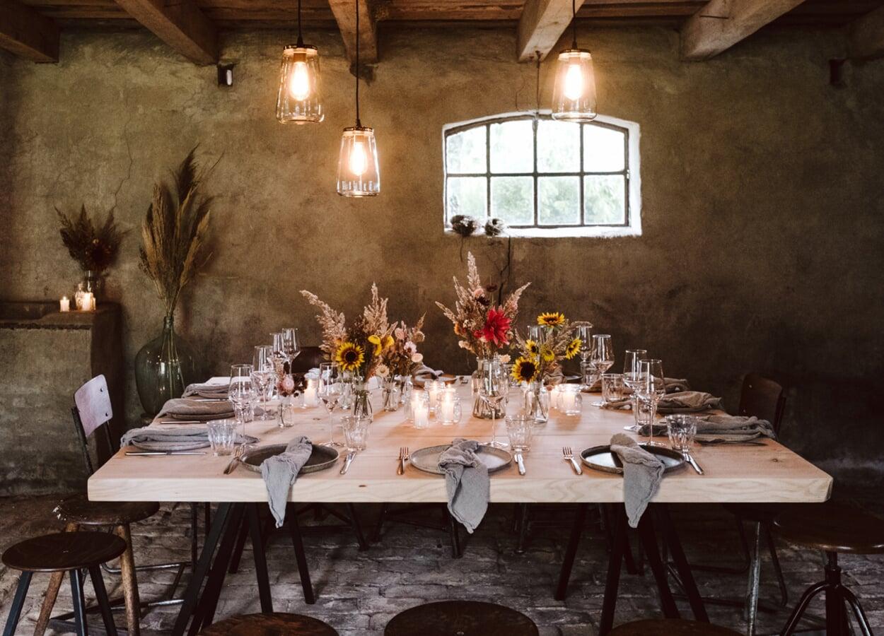 Gedeckter Tisch im Siedlerhaus