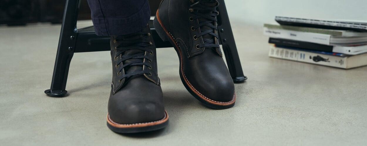 Richtiges Schuhwerk. Knöchelhoch