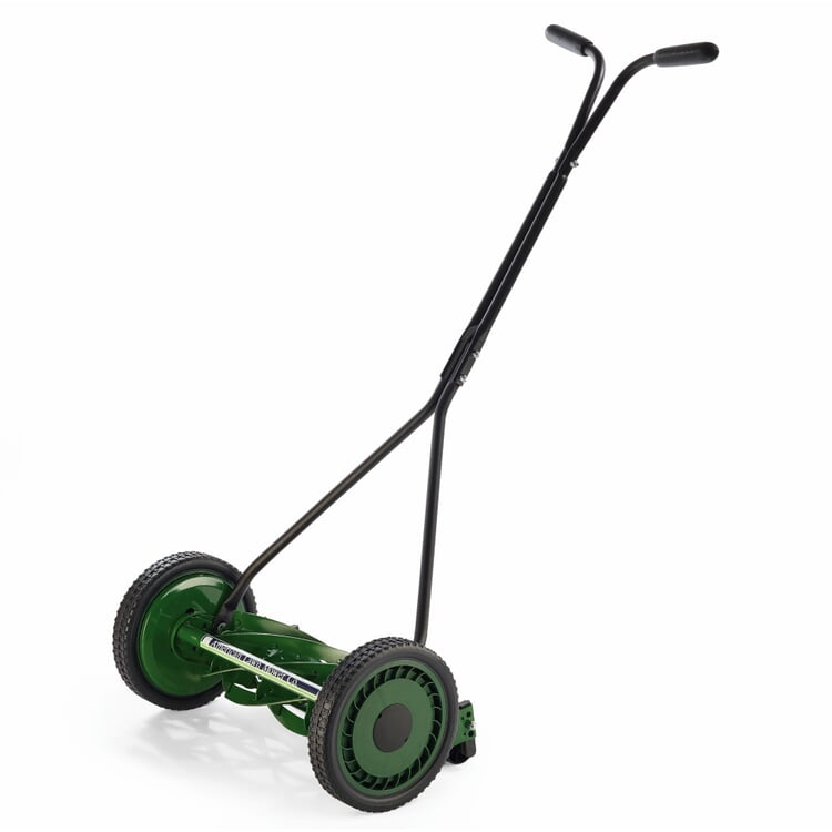 Manually Operated Lawnmower