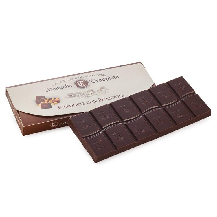 Zartbitterschokolade mit Haselnüssen