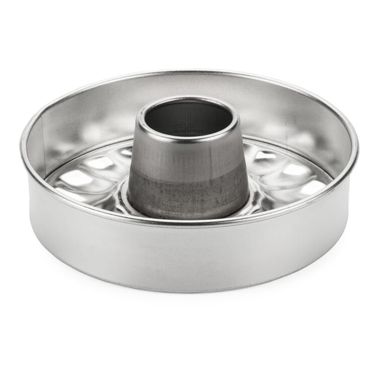 Small Tinplate Cake Pan in Bundt-Style